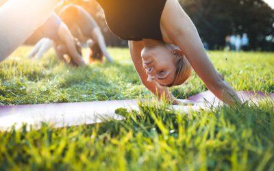 Tutti i vantaggi dello yoga in menopausa